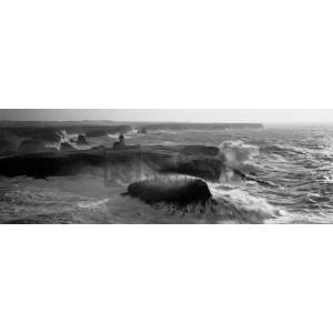 Jean Guichard - Phare des Poulains lors d'une tempête