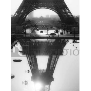 MICHEL SETBOUN - The Eiffel tower reflected, Paris
