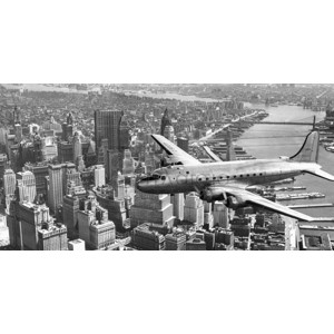 ANONYMOUS - Flying over Manhattan, NYC