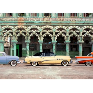 Pangea Images - Cars parked in Havana, Cuba