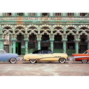 PANGEA IMAGES - Cars parked in Havana, Cuba