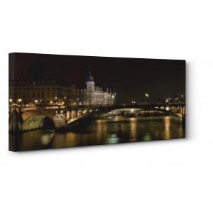 Pg-Plaisio - River in Paris