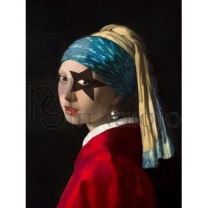 Steven Hill - Girl with Skull Hearring